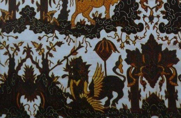 Motif Batik Paksi Naga Liman
