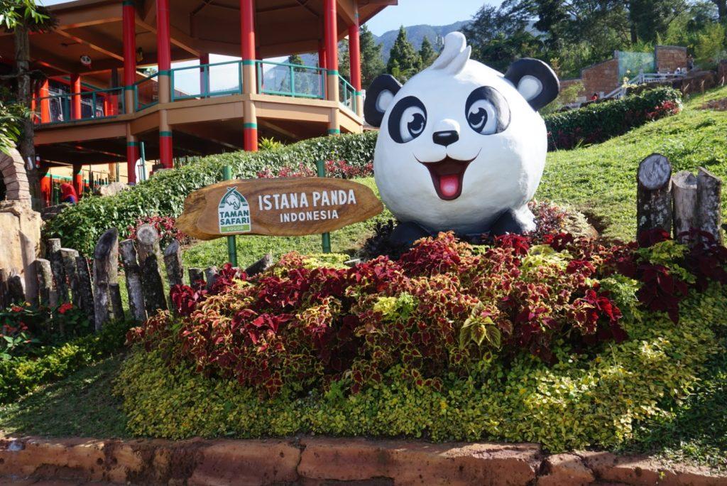 istana-panda-taman-safari-bogor