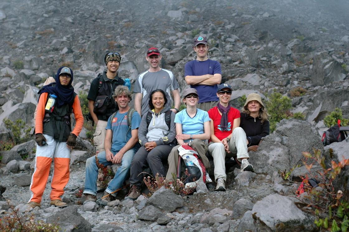 Persiapan pendakian tunggal dan rombongan berbeda wismabahasa.blogspot.com