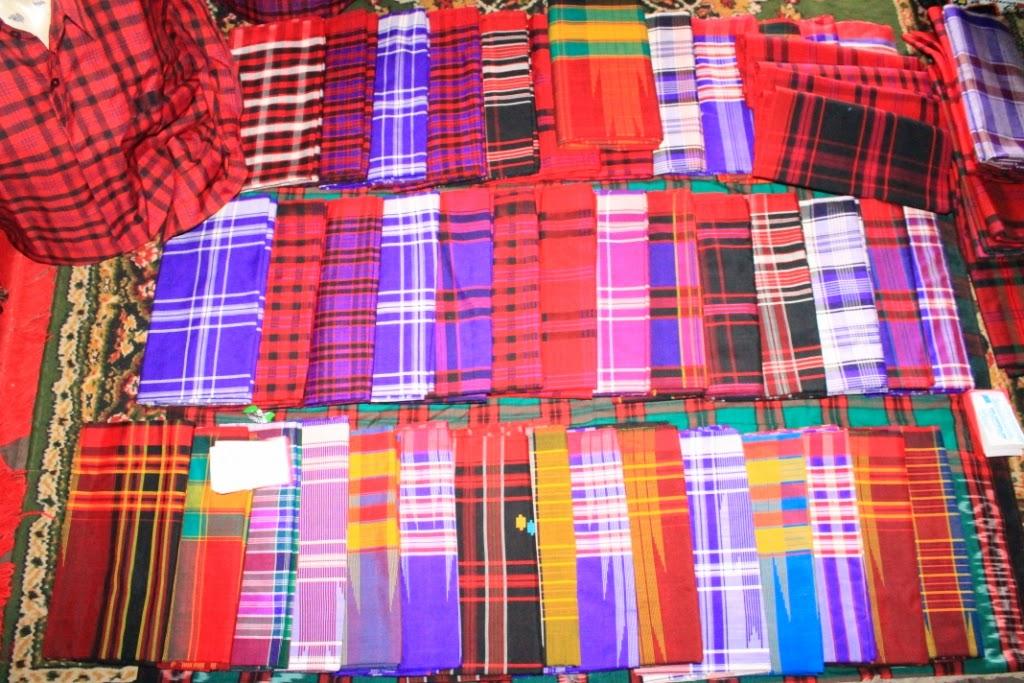 Pilihan warna dan motif sarung Samarinda specialpengetahuan.blogspot.com