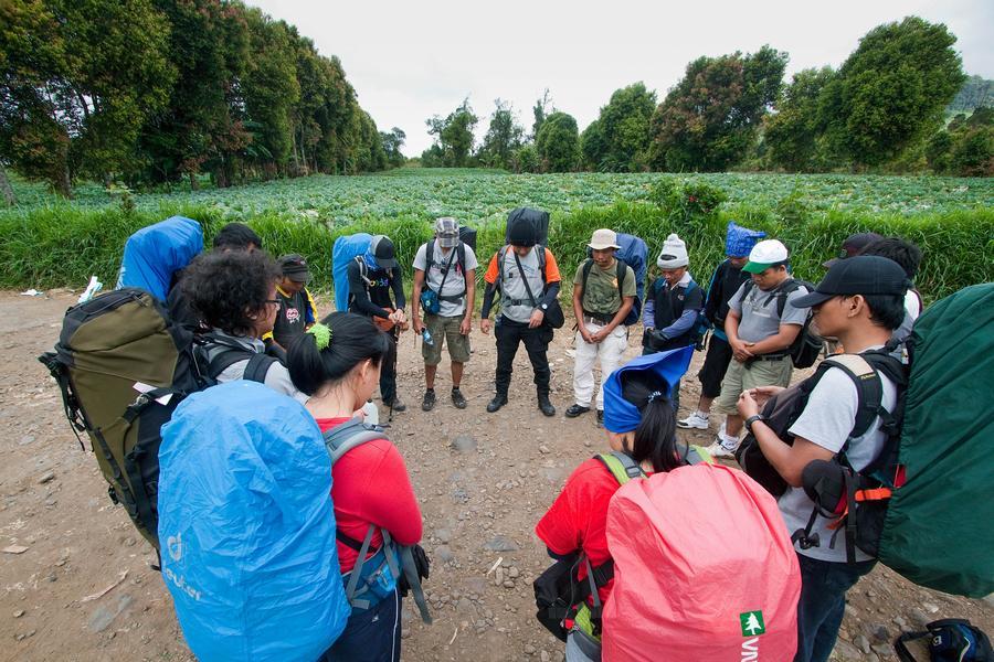 Sangat penting berdoa sebelum mendaki demi keselamatan viewindonesia.com
