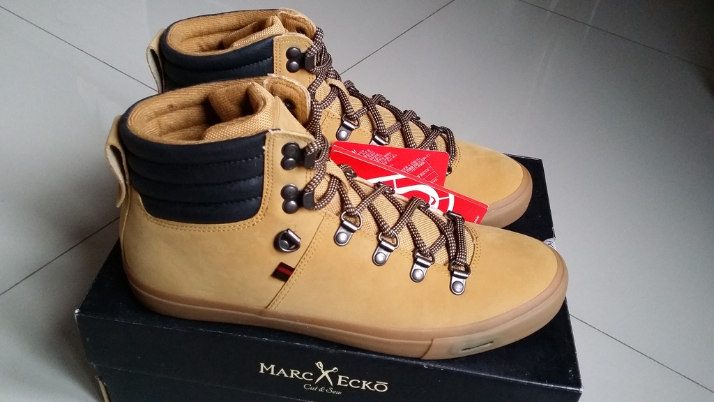 Sepatu sekolah merk Mark Ecko modelsepatusandalbaru.blogspot.com